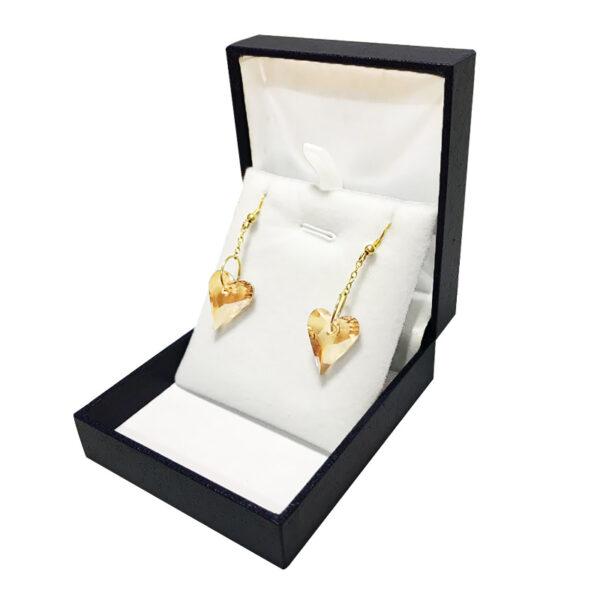 זוג עגילי לב סוורובסקי נופלים. צבע שמפניה. מכסף 925 עם ציפוי זהב יוקרתי.