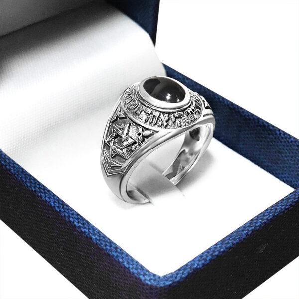 """טבעת """"אוניקס"""" מכסף 925 קלאסית לגבר. טבעת עוצמתית ומרשימה.עבודת צורפות נדירה וגימור מעולה!"""