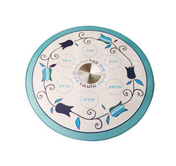 """צלחת פסח 33 ס""""מ מעוצבת גוונים כחול לבן פרחים מהממים עם 6 צלוחיות זכוכית -מיוצר בישראל בעבודת יד."""
