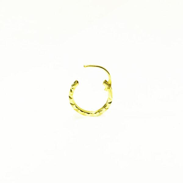 חישוק מנצנץ לנזם/הליקס נמכר בודד, לא זוג עגילים מזהב צהוב 14K 8 ממ. סגירת מנוף (ציר) שנסגרת לתוך החישוק אחריות מלאה על העגילים העגילים מגיעים באריזת מתנה.