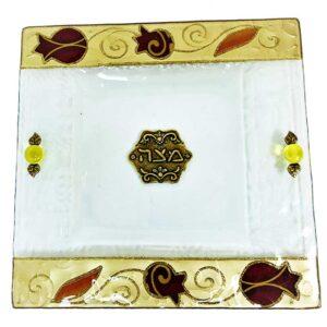 צלחת מצה זכוכית מעוצבת עם רימונים בעבודת יד ועם עיטורים בצבע זהב מהממים -מיוצר בישראל בעבודת יד.