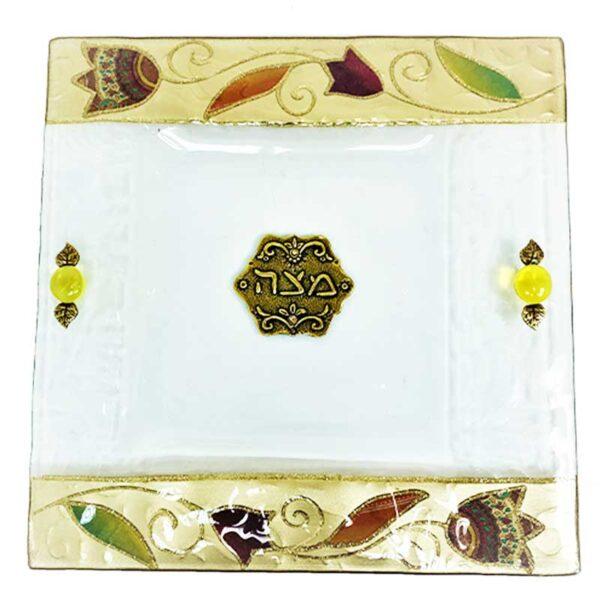 צלחת מצה זכוכית מעוצבת עם פרחים בעבודת יד ועם עיטורים בצבע זהב מהממים -מיוצר בישראל בעבודת יד.