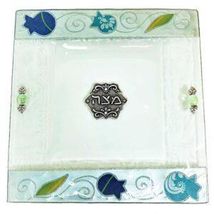 צלחת מצה זכוכית מעוצבת עם רימונים בעבודת יד ועם עיטורים בצבע כחול ירוק כסף מהממים -מיוצר בישראל בעבודת יד.