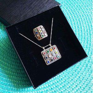 סט שרשרת + טבעת חושן גדולים מכסף 925 משובצים 12 קריסטל צבעוניים.  קופסת מתנה בעבודת יד! שליח עד הבית חינם!