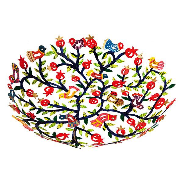 """קערה גדולה ( 35*40*6 ס""""מ ) בחיתוך לייזר + ציור יד רימונים צבעוניים מהממים! ממתכת העשויה מעשרות פרפרים ופרחים צבעוניים בחיתוך לייזר מדויק וצביעה ידנית. פריט גדול ייחודי - ע""""י האמן הירושלמי יאיר עמנואל."""