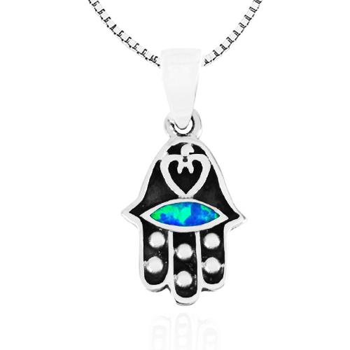"""שרשרת חמסה מכסף 925 קטנה ועדינה עם עיטור לב קטן ומקסים, משובץ אבן אופל כחולה אובלי. כולל שרשרת כסף באורך 45 ס""""מ."""