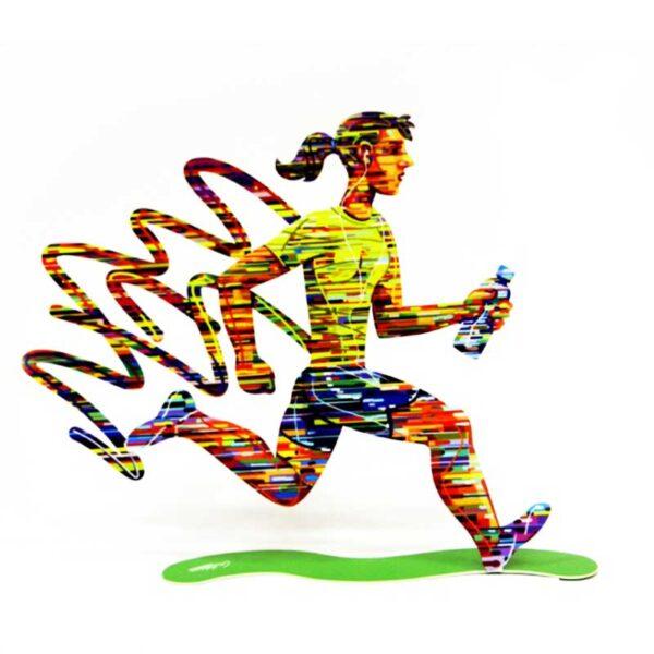 """סטנד """"אישה רצה"""" Jogger - Female ( Height 30cm (11.8"""") Width 38cm (14.9"""") Weight 0.75KG ) סטנד מתכת צבעוני בעבודת יד עם הדפס דו צדדי על מתכת בחיתוך לייזר. סטנד מהמם המדגים אישה בריצה עם בקבוק מים. יצירה זו לוכדת את מהות יצירתו של דייוויד גרשטיין. שמחת חיים, צבעוניות אופניים ורומנטיקה . מעוצב ומיוצר ע""""י האמן דוד גרשטיין. פסל מתכת מקסים זה להנחה על השולחן מדף או תלייה - מאת דייוויד גרשטיין, החוקר את אחד הנושאים החביבים עליו ביותר, ספורט וכושר. מחיר מבצע מתנות ישראל"""