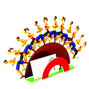 """סטנד """"רצים בשביל החופש"""" Run For Your Freedom Height 20cm (7.9"""") X Width 38cm (15"""") X Depth 10.5cm (4.1"""")   Weight 1 KG סטנד מתכת צבעוני בעבודת יד מהמם בצורת פסל חיתוך מתכת עצמאי עם שתי קבוצות רצים, זכר ונקבה. הרצים ממוקמים בשתי שכבות, בדומה לפסלי הקירות הגדולים של גרשטיין. לרוץ לחופש שלך הוא אחד משני האובייקטים הקטנים בשכבה היחידה, עם שישה רצים על כל שכבה, אנו מקבלים תחושה של תנועה וכוח, שתמיד בולטת בעבודותיו של גרשטיין. יצירה זו יכולה להכיל בקלות כרטיסי ביקור, מכתבתים, וכו '. יושב בצורה מסודרת על שולחן העבודה שלך, היצירה הזו יכולה להתאים בקלות לכל שולחן או מדף בגודל סטנדרטי."""