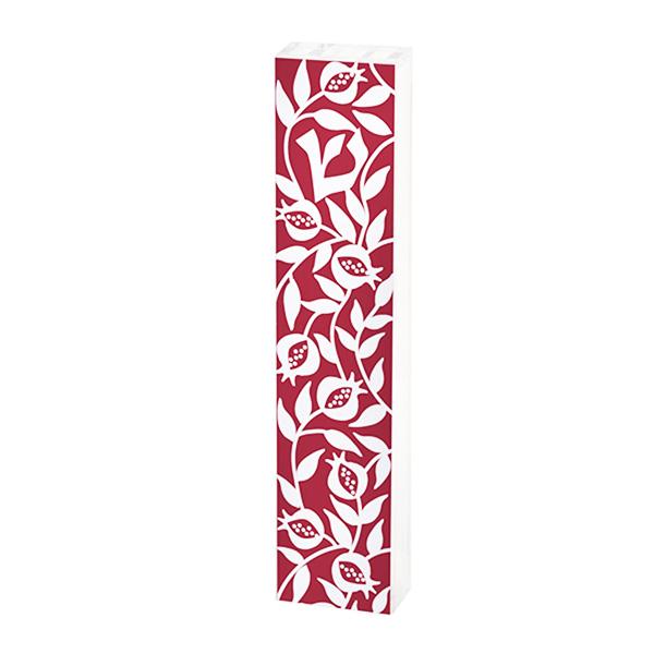 """בית מזוזה """"רימונים"""" - מאקרילי שקוף עם הדפס צהוב בורדו בצורת אריחים עם עיטורים שונים - עבור לקלף באורך 12 ס""""מ - מעוצב ומיוצר ע""""י אמנית היודאיקה דורית קליין. מחיר מבצע מתנות ישראל"""